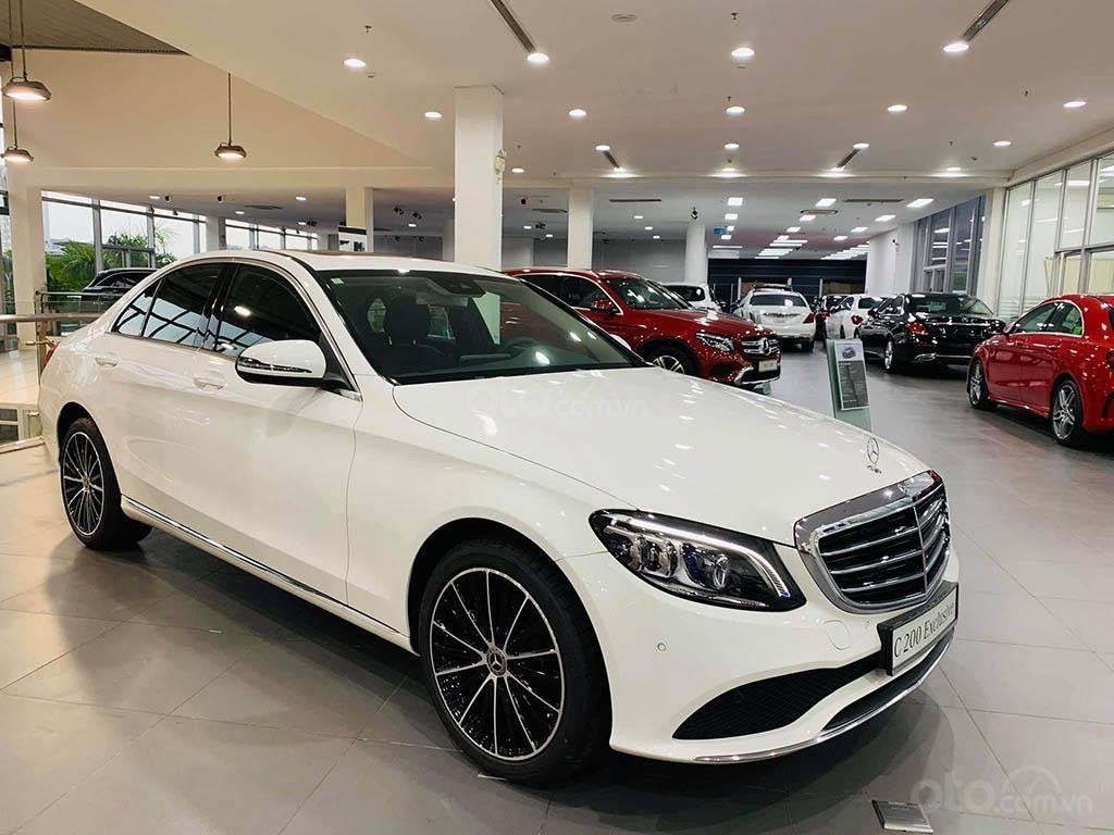 Thông số kỹ thuật xe Mercedes-Benz C200 Exclusive 2020