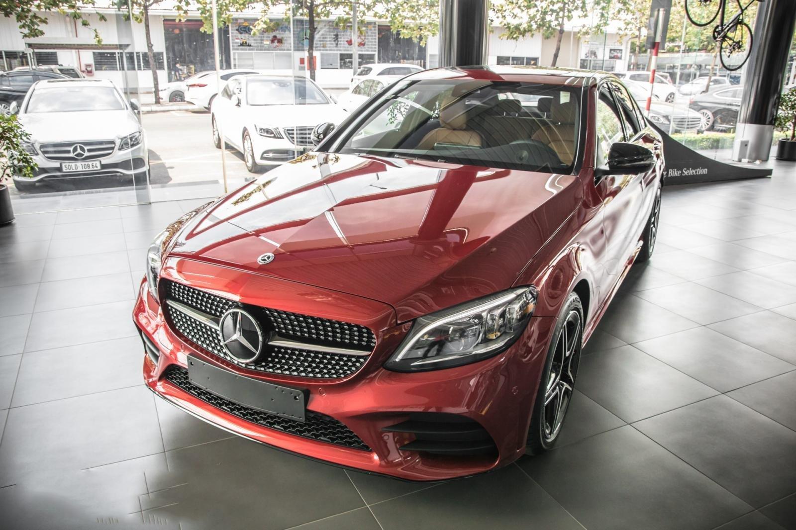 Thông số kỹ thuật xe Mercedes-Benz C300 2020